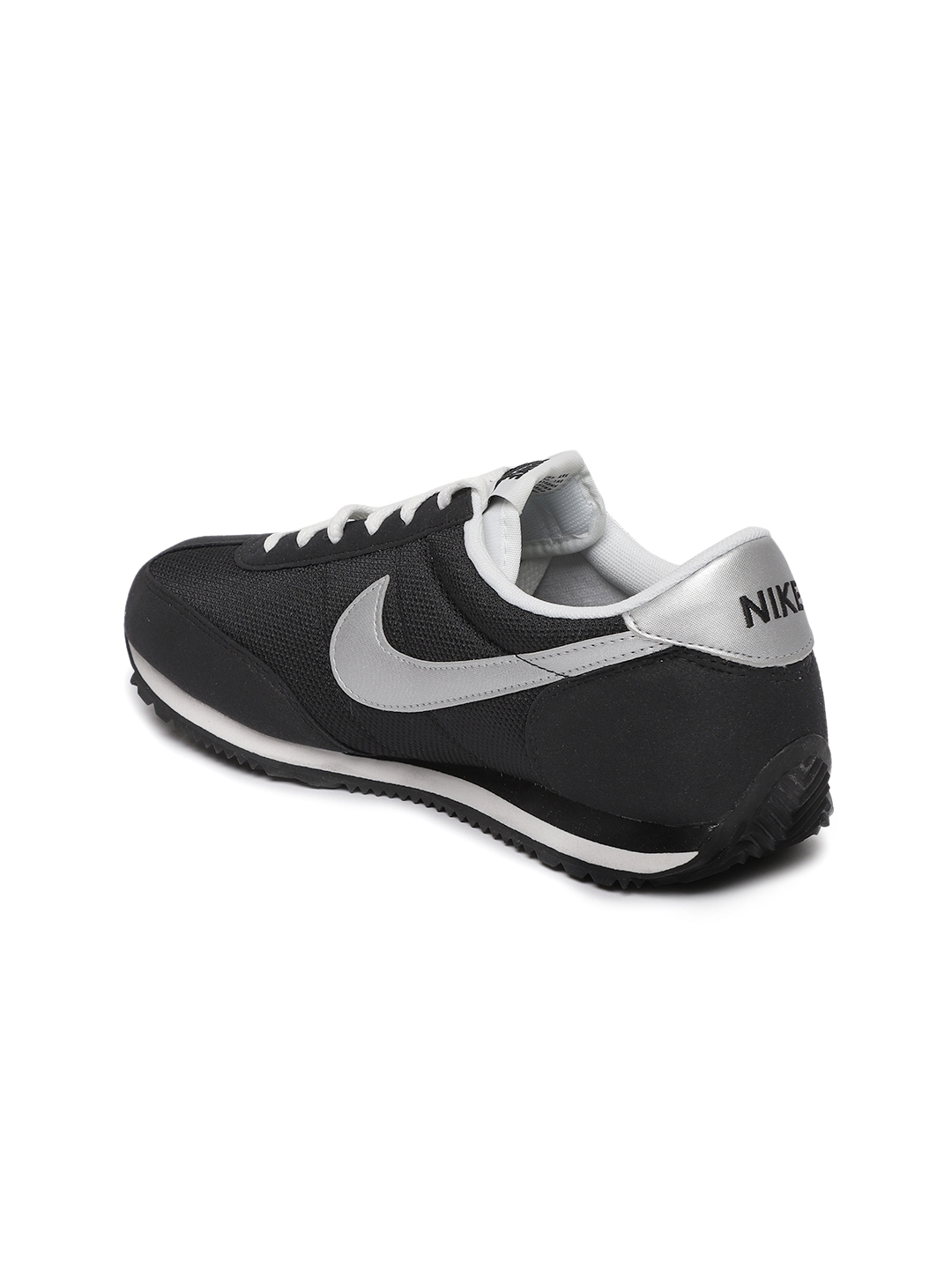 official photos 4d028 9a4c8 Nike Women Black Oceania Textile Sneakers