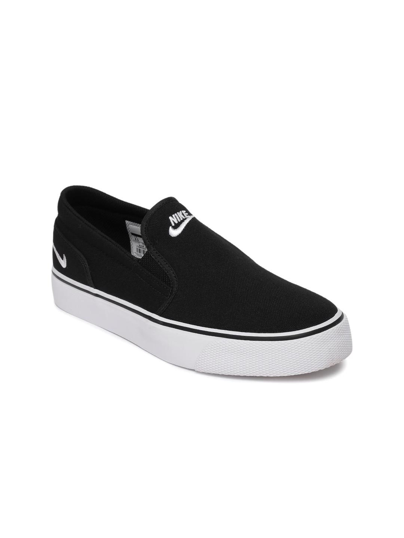 sports shoes e02f6 5ac6b Nike Women Black Toki Slip-On Sneakers