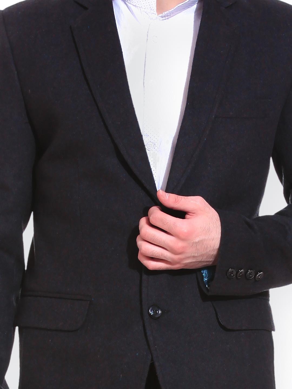 6bbb76e4291 Buy TAG 7 Men Black Woolen Solid Regular Fit Single Breasted Blazer ...
