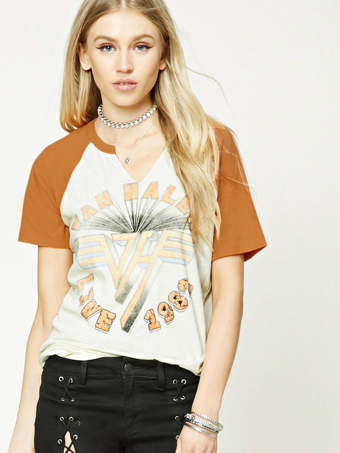 820525c0ffd3 FOREVER 21 Women Cream-Coloured & Mustard Yellow Printed Round Neck T-shirt