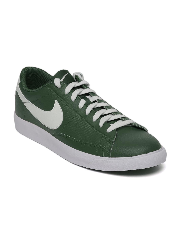 newest 92336 7fddd Nike Men Green Blazer Low Leather Sneakers