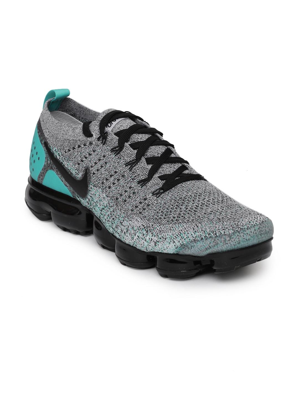 f525487afaf0a Buy Nike Men Black   Grey Air VaporMax Flyknit 2 Running Shoes ...