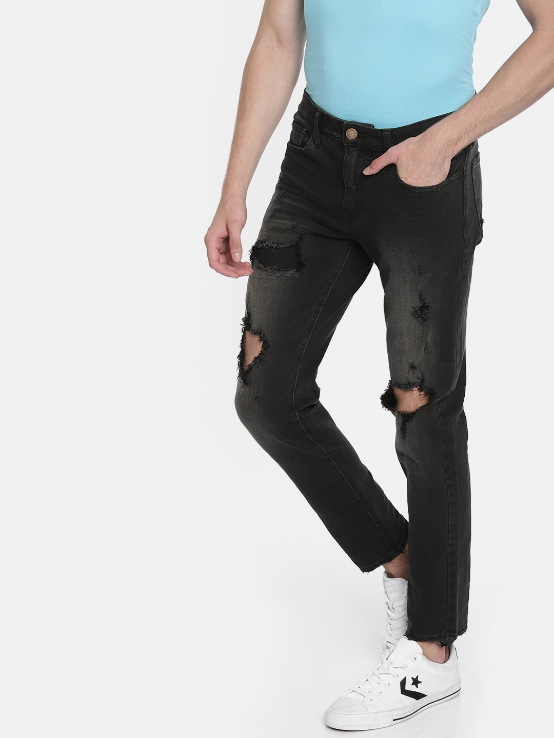 91507ab3 AMERICAN EAGLE OUTFITTERS Black Skinny Fit Mid-Rise Mildly Distressed  Stretchable Jeans