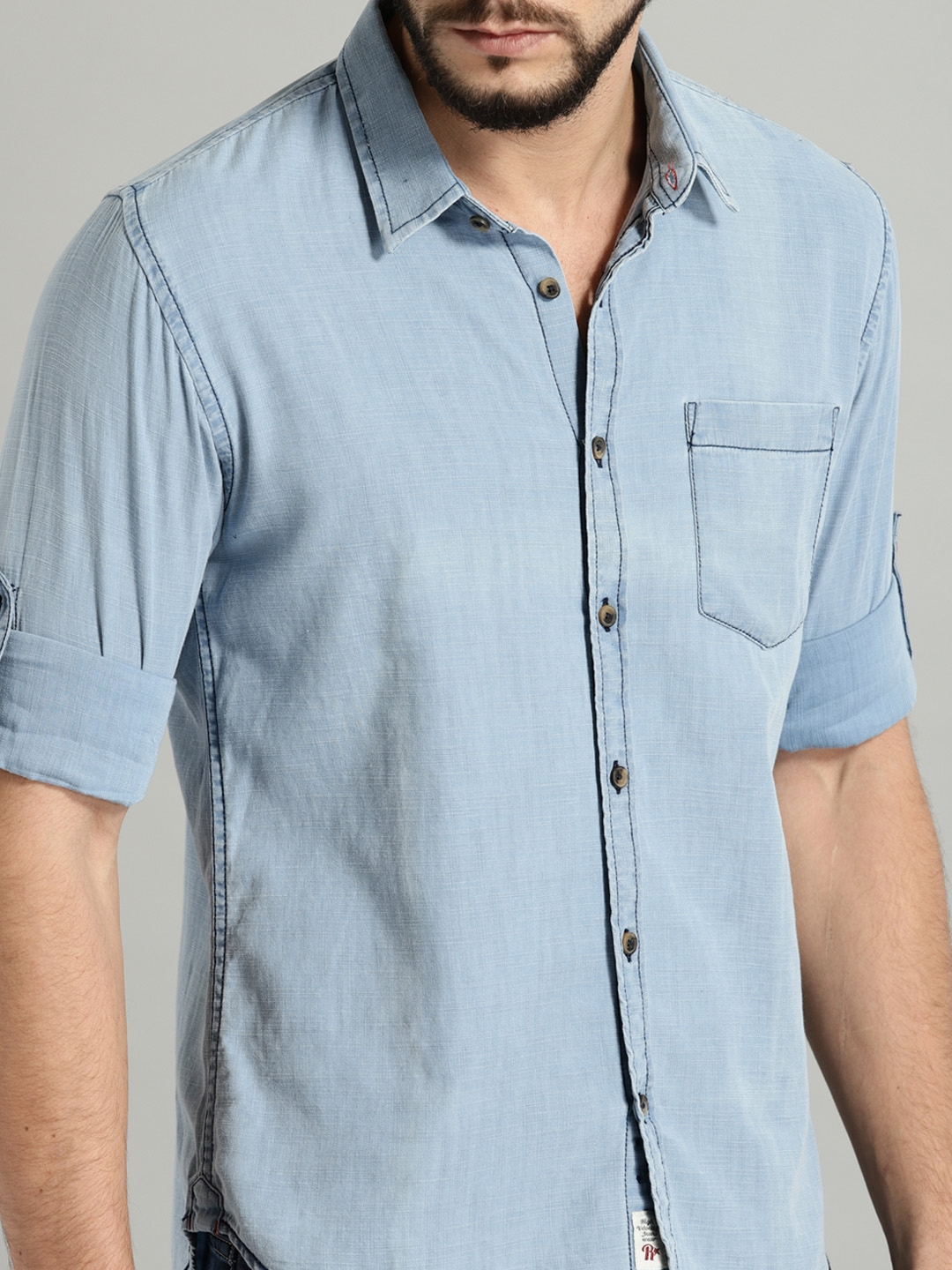 ebf0f0f216 Buy Roadster Men Blue Regular Fit Solid Casual Chambray Shirt ...