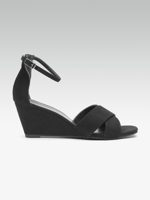 b9b38b250208 Buy HEATWAVE Women Black Solid Wedges - Heels for Women 5568537