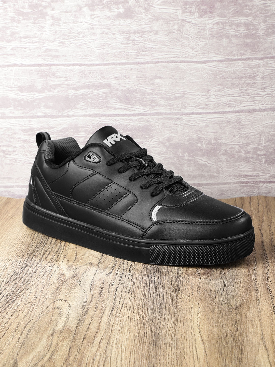 Planned stimolare Sensibile  Buy HRX By Hrithik Roshan Men Black Casual Shoes - Casual Shoes for Men  5794151 | Myntra