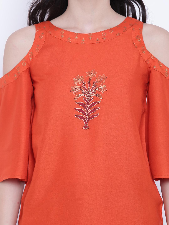 765aaeef37e93 Buy 9rasa Women Rust Printed Cold Shoulder Top - Tops for Women ...