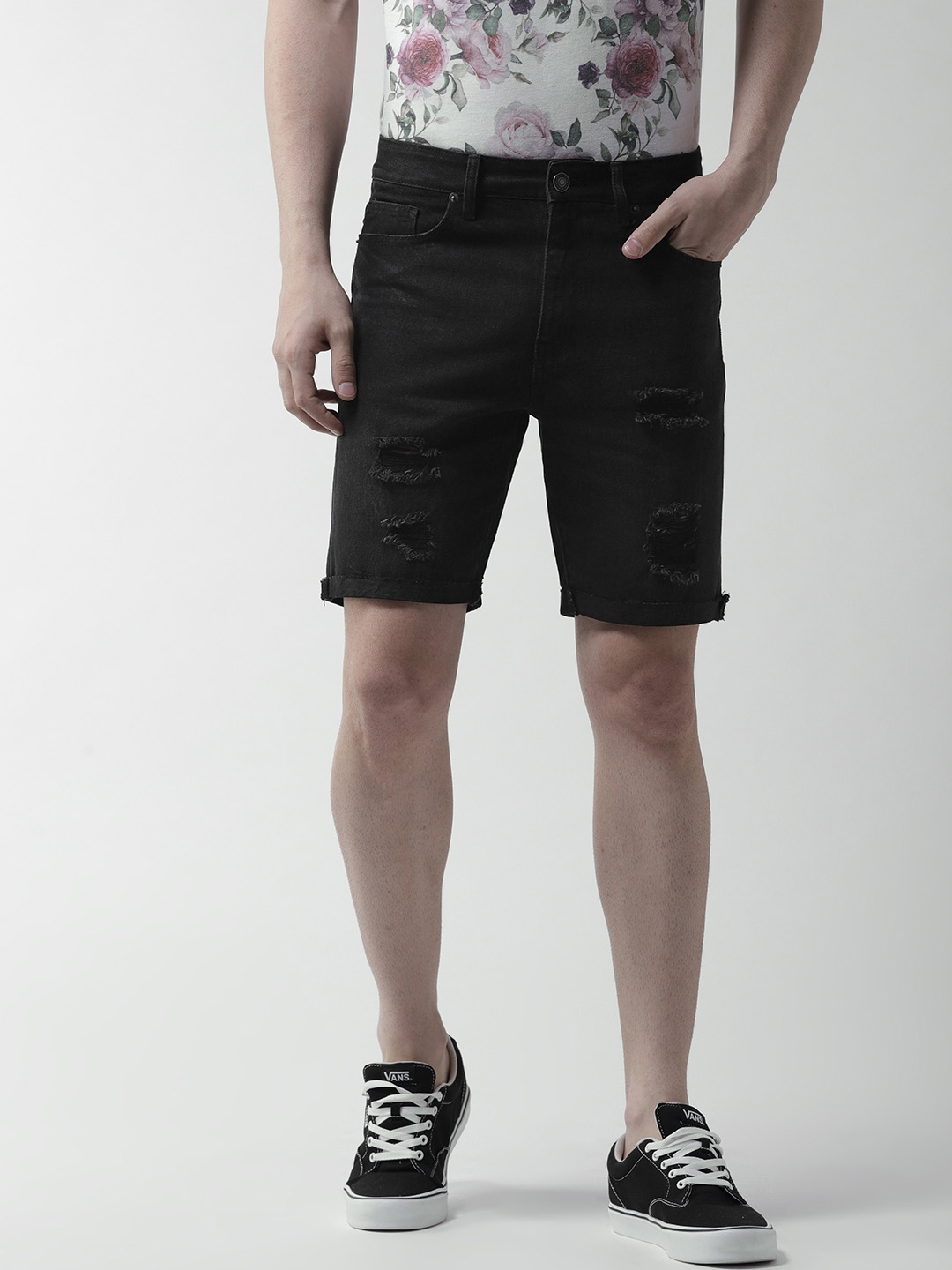aebc861c84 Buy FOREVER 21 Men Black Solid Distressed Regular Fit Denim Shorts ...