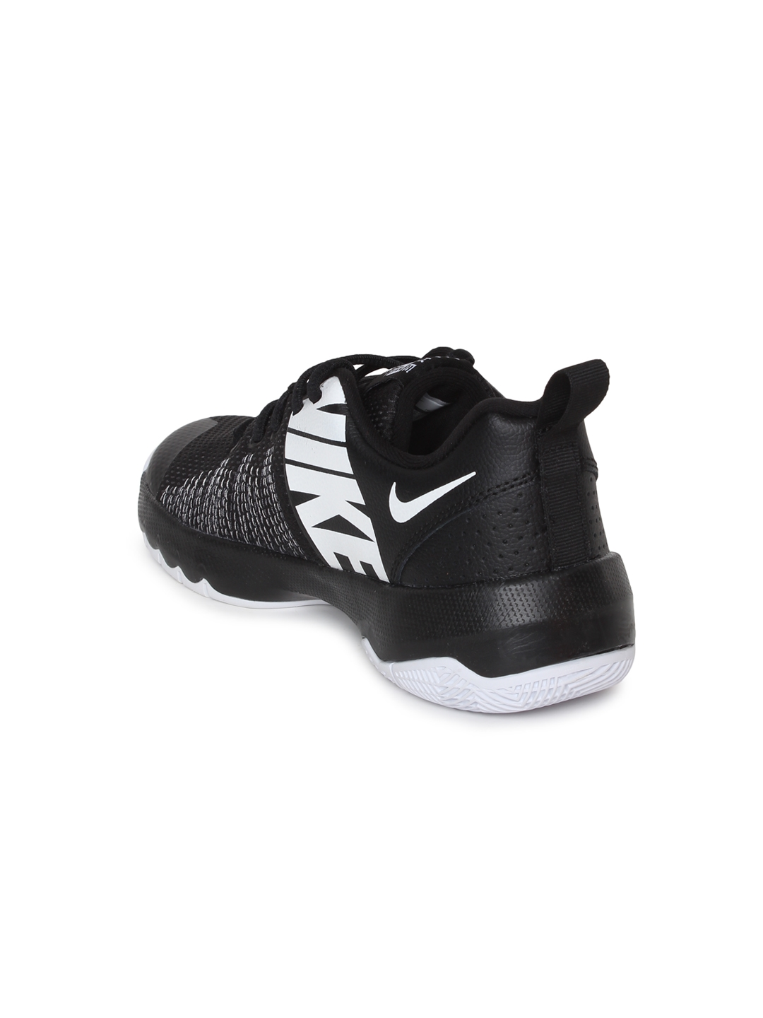 newest 9156a 3ab28 Nike Boys Black Solid Team Hustle Quick (GS) Basketball Shoes