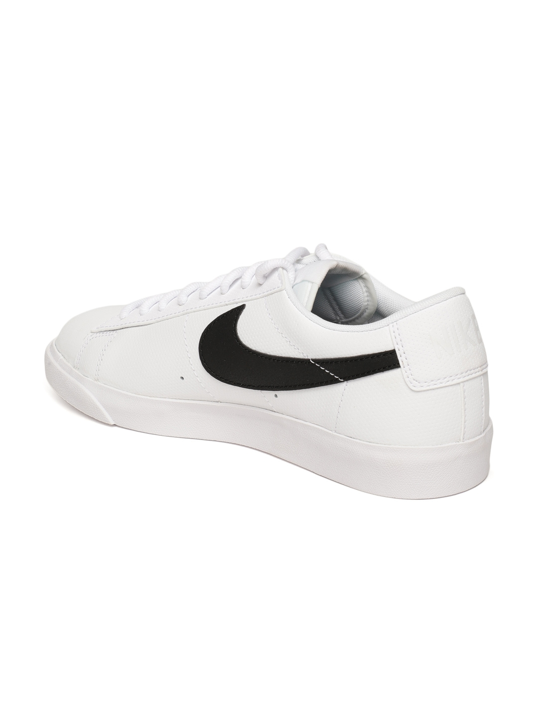 new arrival 916f3 e8db7 Nike Men White Blazer Low Leather Casual Shoes
