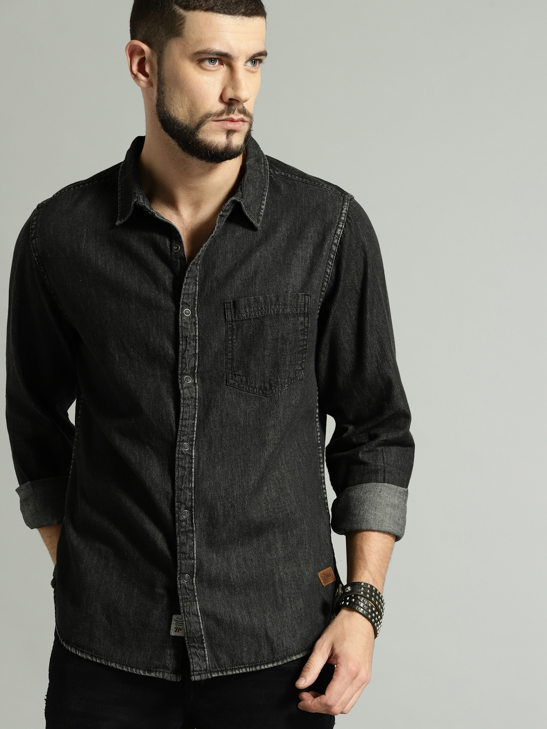 92ddb6d7713 Buy Roadster Men Black Regular Fit Faded Casual Denim Shirt - Shirts ...