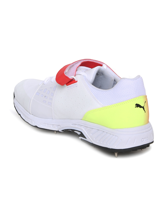 8eeb7468d46c23 Buy Puma Men White EvoSPEED 18.1 Cricket Bowling - Sports Shoes for ...