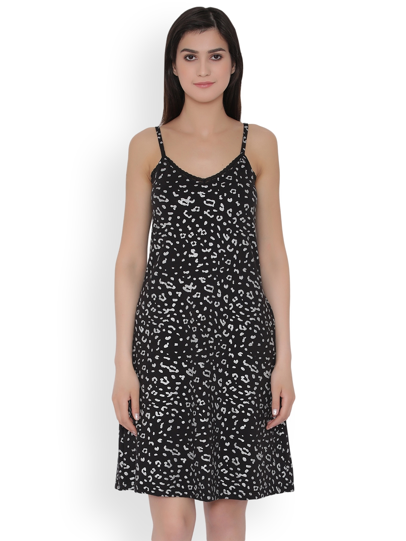 f39956c1a8 Buy Clovia Black Printed Nightdress NS1088P13 - Nightdress for Women ...
