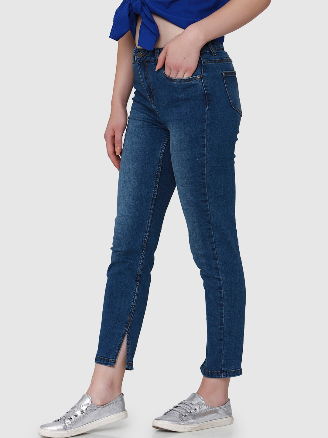 5acb699c67020 Vero Moda Women Blue Regular Fit High-Rise Jeans