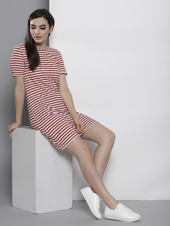 8f75987ff1e4 Buy DOROTHY PERKINS Women Red & White Striped T Shirt Dress ...
