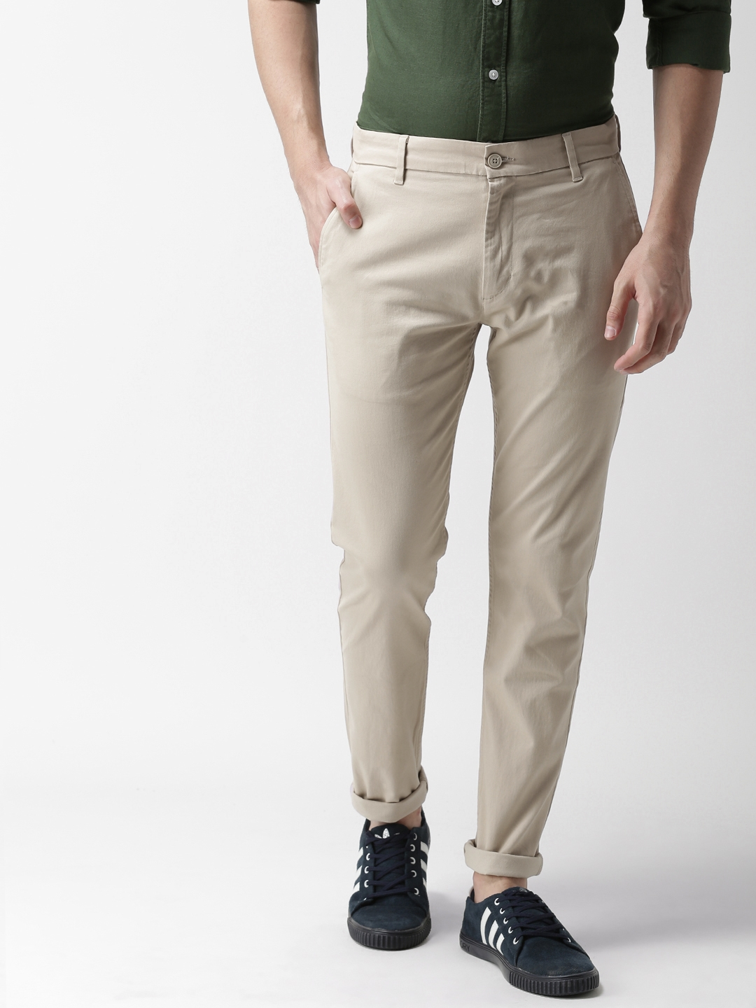 63c6a19e0c1 Buy Levis Men Beige Tapered Fit Solid Chinos 512 - Trousers for Men ...