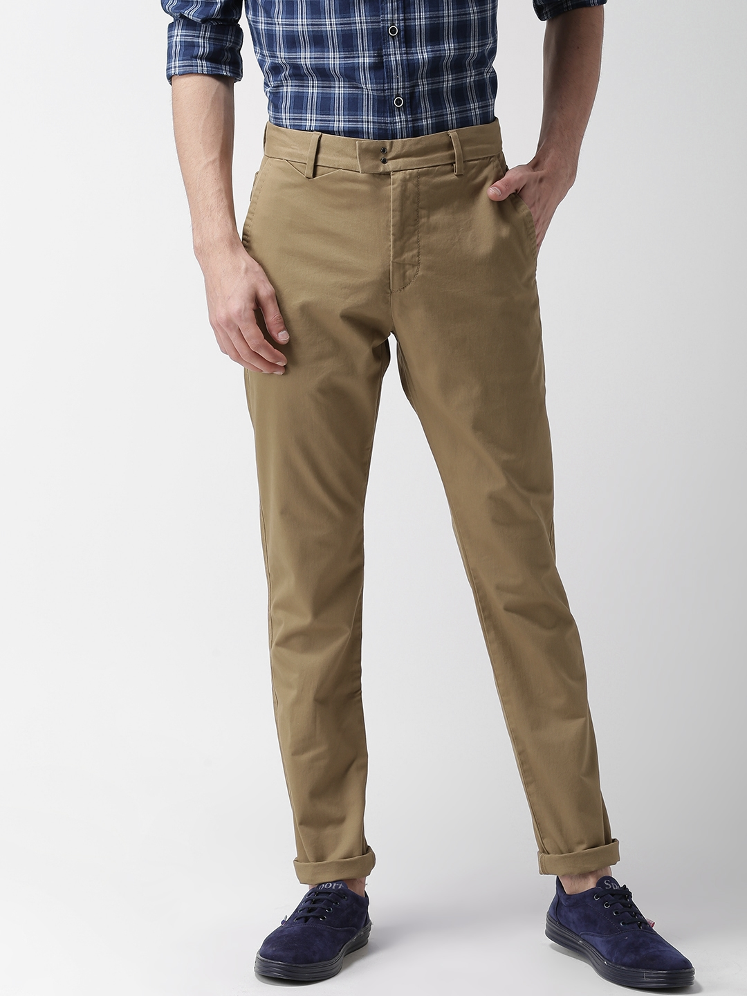 cdadfa100a4 Buy Levis Men Khaki Tapered Fit Solid 512 Chinos - Trousers for Men ...