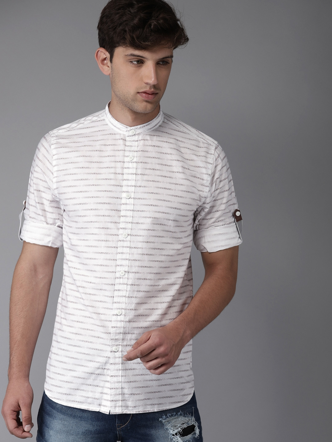 05dbf3bf7c3f0e Buy HERE&NOW Men White & Red Striped Regular Fit Casual Shirt ...