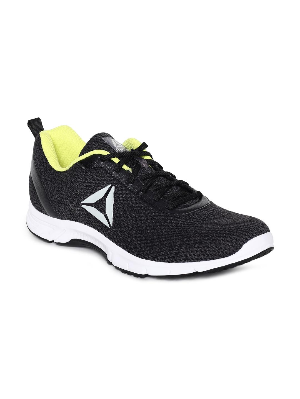 Buy Reebok Men DART RUNNER LP Black Running Shoes - Sports Shoes for ... cdb3bd569