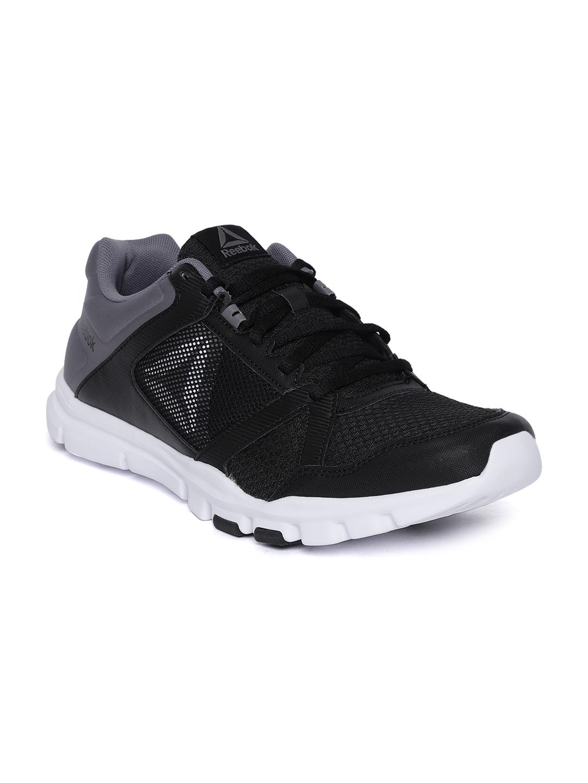 Buy Reebok Men Black YOURFLEX TRAIN 10 MT Training Or Gym Shoes ... 718b44408