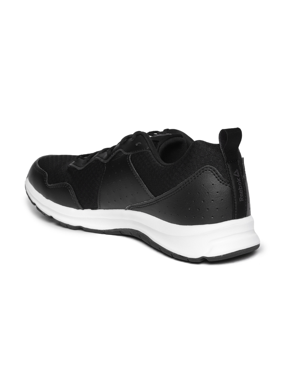 Buy Reebok Men Black Express Runner 2.0 Running Shoes - Sports Shoes ... c5921ab2b