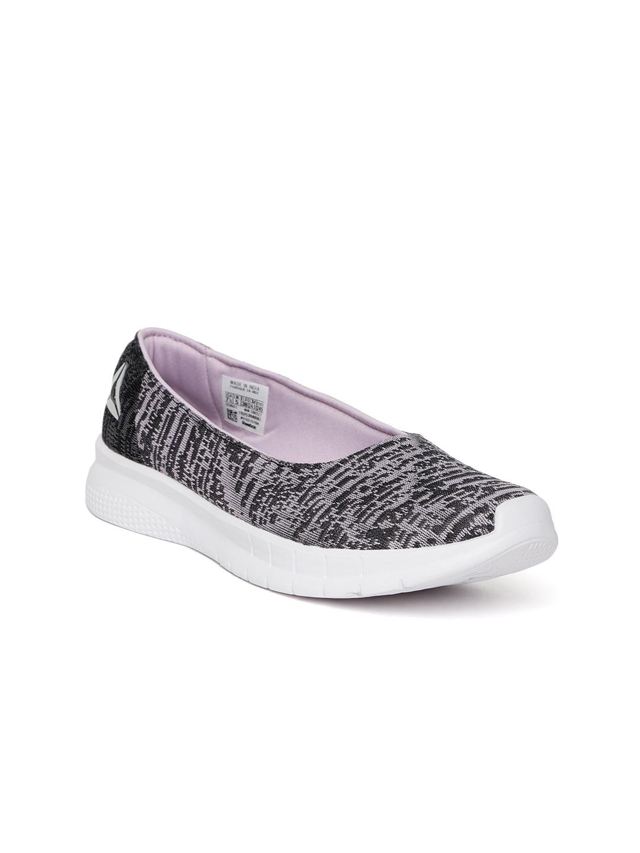 c9cef64a63 Reebok Women Black & Lavender Zeal Walking Shoes