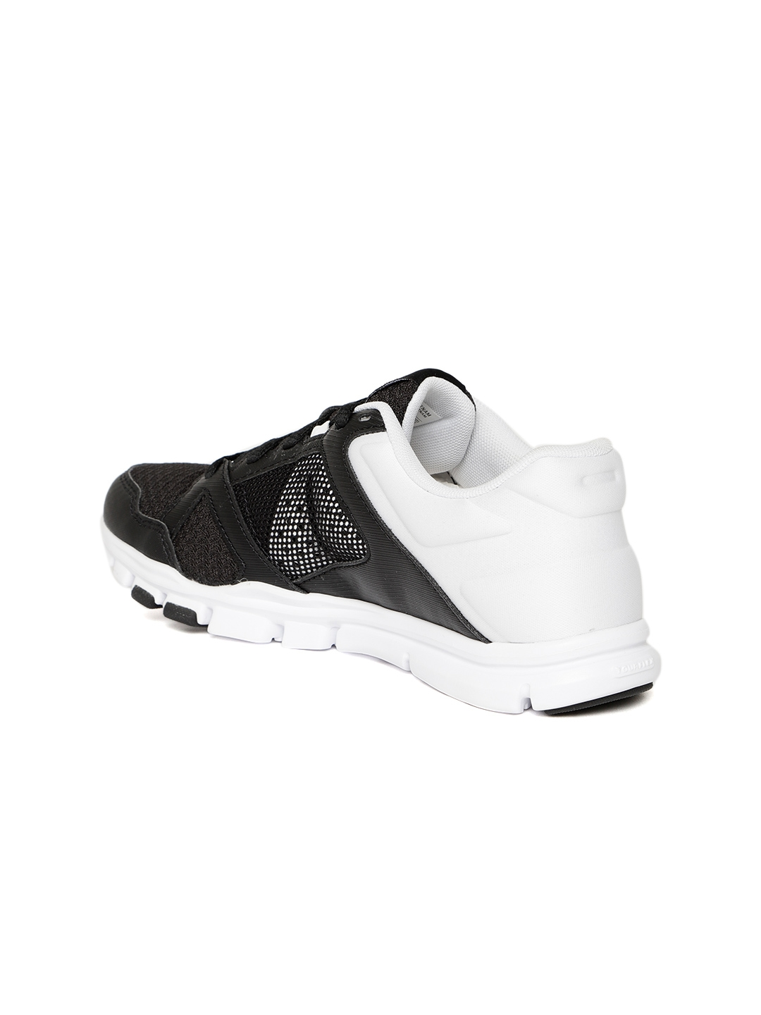 Reebok Women Black White YOURFLEX TRAINETTE 10 MT Colourblocked Training  Shoes really comfortable 3a133 aed09 ... 19b3cd7a7
