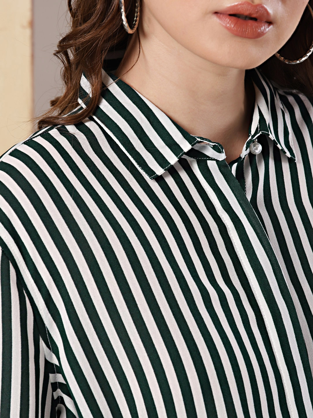 fb09b2eda326 Buy Her By Invictus Women Green & White Regular Fit Striped Casual ...