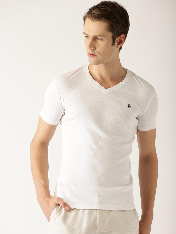 3d32aa149 Buy United Colors Of Benetton Men White Solid V Neck T Shirt ...