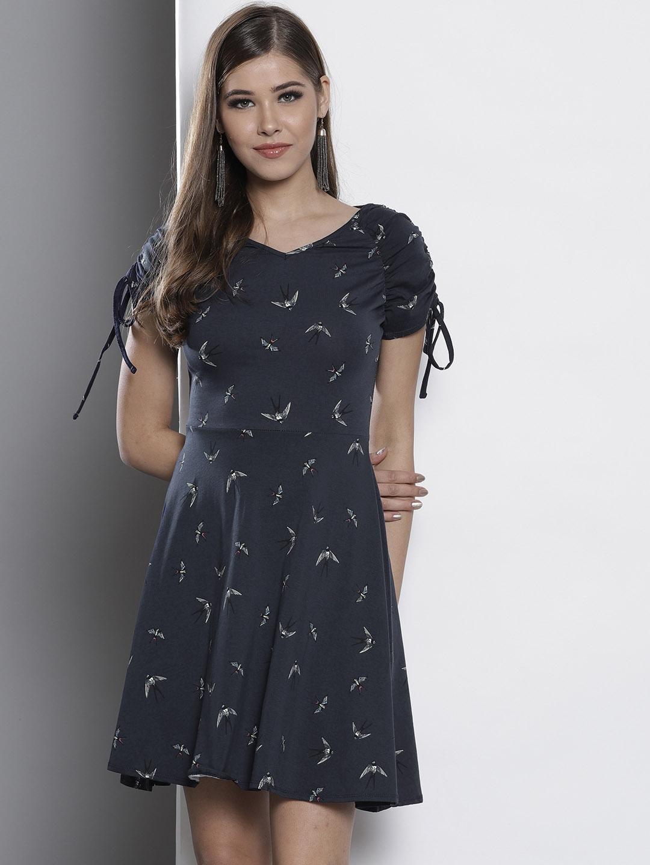 7d3b62cc20b6 Buy DOROTHY PERKINS Women Navy Blue Printed Fit   Flare Dress ...