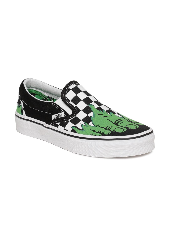 f54054fa4e Vans Unisex Green   Black Marvel Hulk Printed Classic Slip-On Sneakers