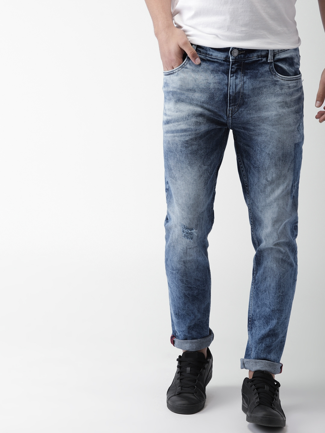 698a5a9e082 Mast   Harbour Men Blue Slim Tapered Fit Mid-Rise Mildly Distressed  Stretchable Jeans