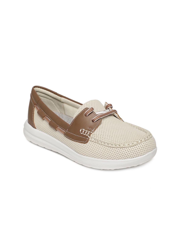 b3cd413ca Buy Clarks Women Off White Jocolin Vista Colourblocked Boat Shoes ...