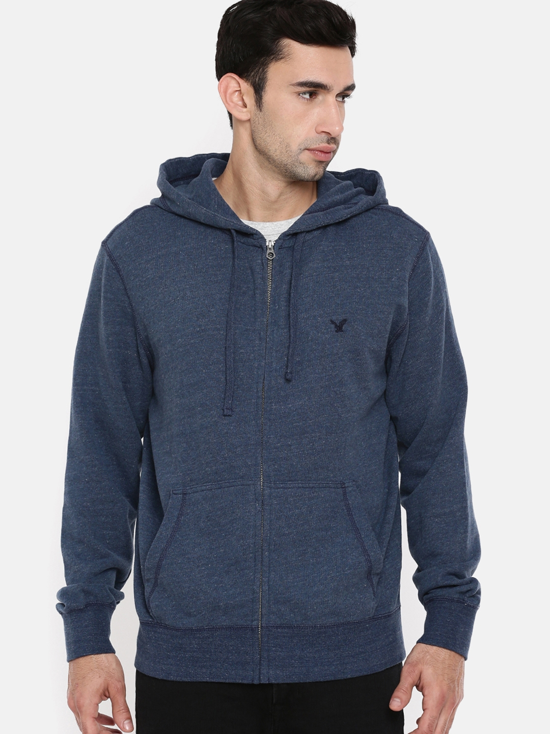 8369757b622a2 Buy AMERICAN EAGLE OUTFITTERS Men Blue Solid Hooded Sweatshirt ...