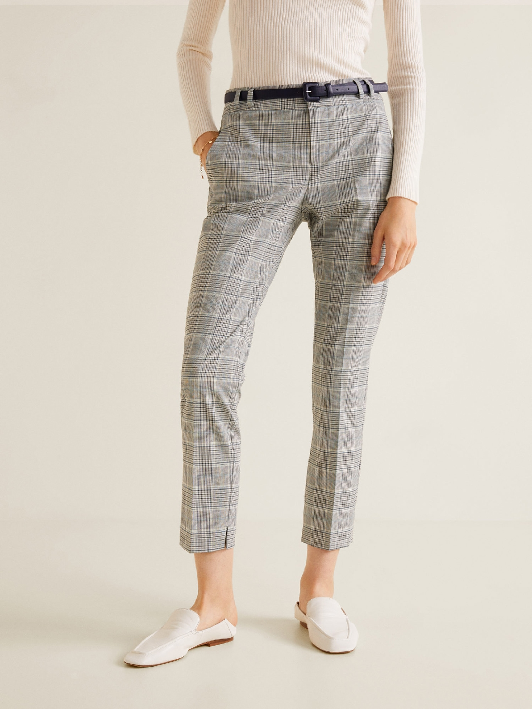 b7a4ea3c18d MANGO Women Grey   White Regular Fit Checked Cropped Cigarette Trousers