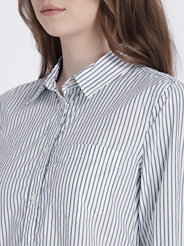 2b6976b7 Buy GAP Women's White & Blue Fitted Boyfriend Stripe Shirt In Poplin ...