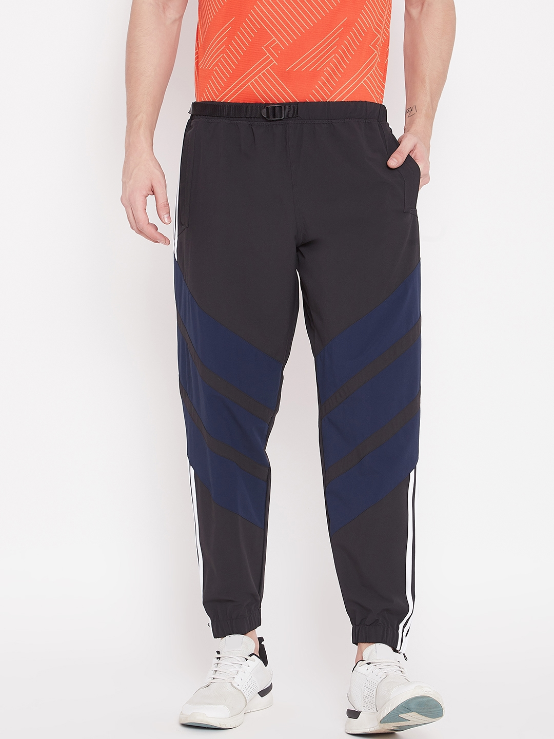 8fa520a3b1e3d ADIDAS Originals Men Black   Navy Blue 3-Striped Wind Skateboarding Joggers