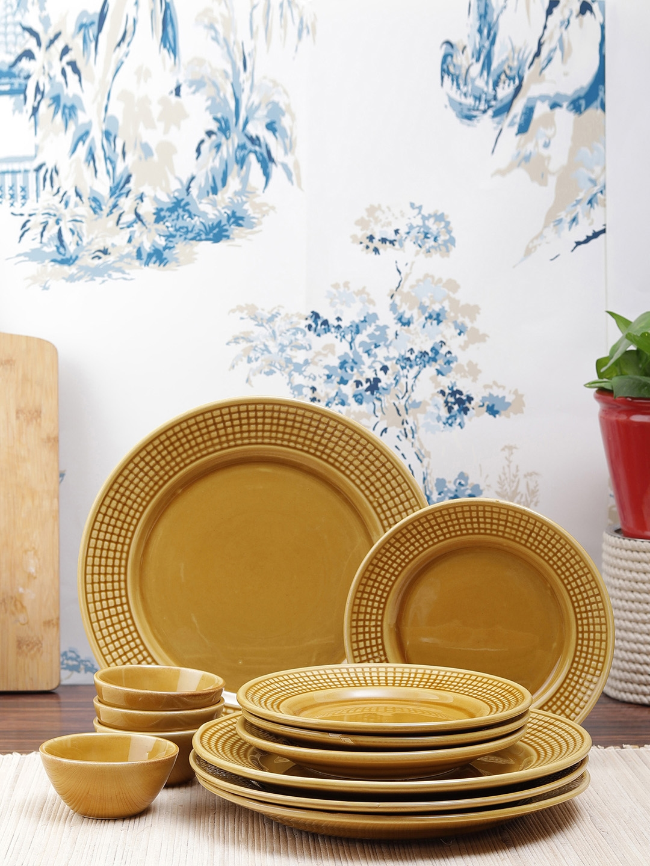 VarEesha Set of 8 Gold Toned   Mustard Yellow Printed Ceramic Dinner Plates   Bowls
