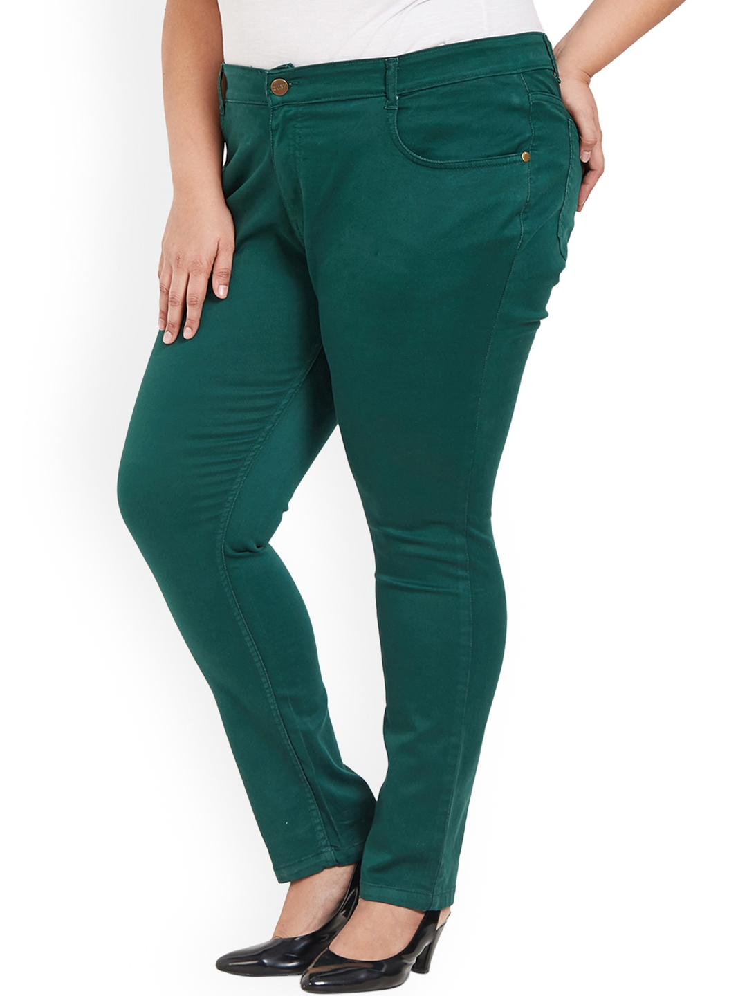 f80c1c6f081f3 Buy ZUSH Women Green Regular Fit Solid Stretchable Chinos - Trousers ...