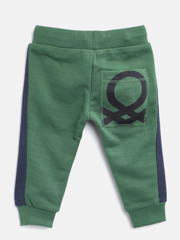 b35d94b1adb0 Buy United Colors Of Benetton Boys Green   Navy Colourblocked ...
