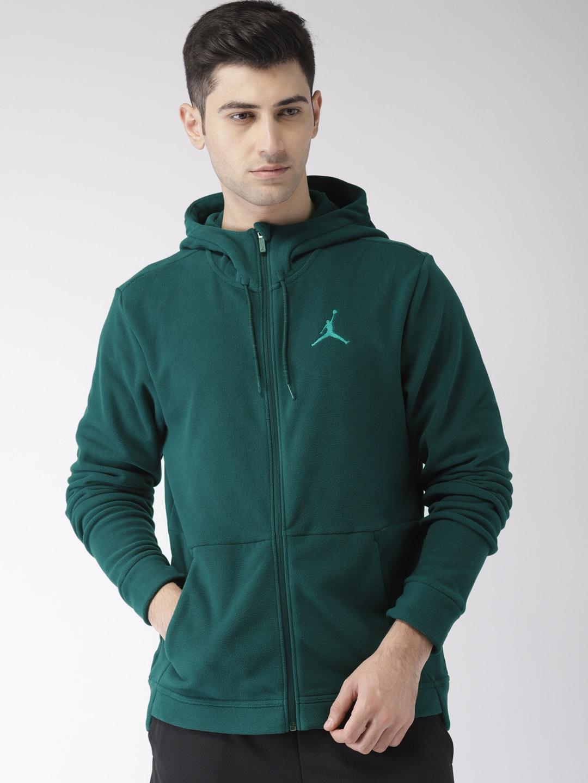 official photos f45ea a608d Nike Men Green Jordan Therma 23 Tech Solid Training Sweatshirt