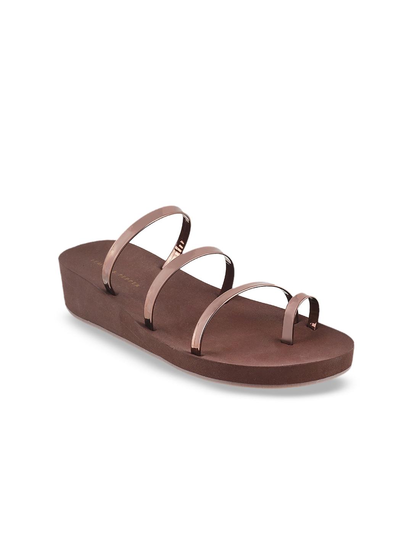 602c114444465 Buy LEMON   PEPPER Women Bronze Toned Solid Sandals - Heels for ...