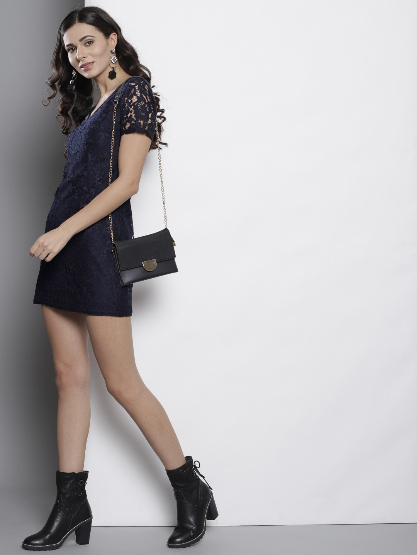 368955d5 Buy DOROTHY PERKINS Women Petite Navy Blue Lace Sheath Dress ...
