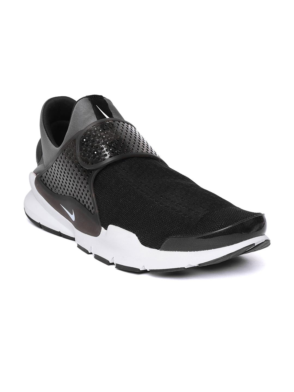 online store a9e98 e74ba Nike Men Black & Grey Sock Dart Running Shoes