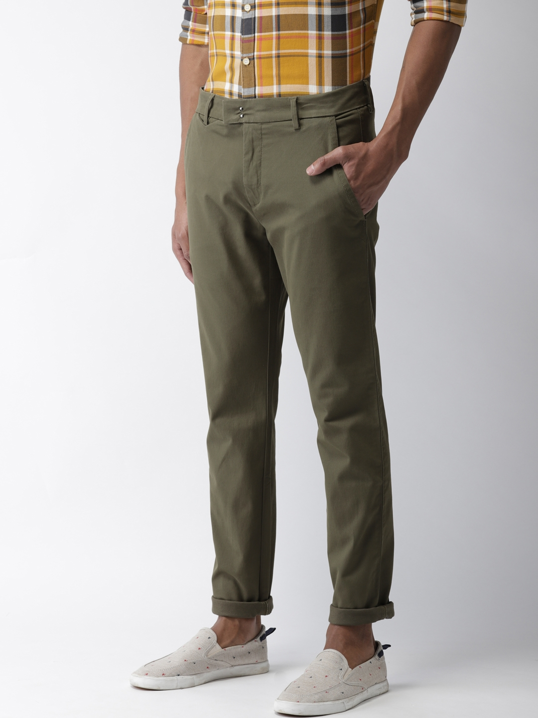 00784032 Buy Levis Men Olive Green 512 Slim Tapered Fit Solid Chinos ...