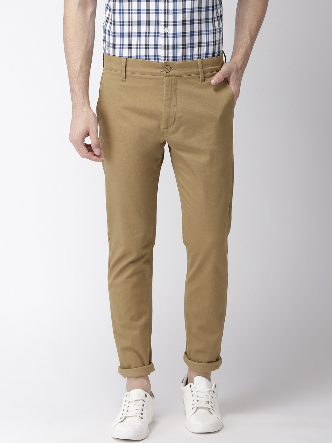 1cc2038fbe6 Buy Levis Men Khaki Tapered Fit Solid Chinos 512 - Trousers for Men ...