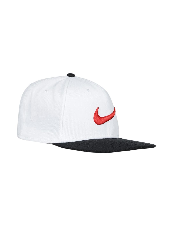 76d1c87998b Buy Nike Unisex White   Black Colourblocked Snapback Cap - Caps for ...