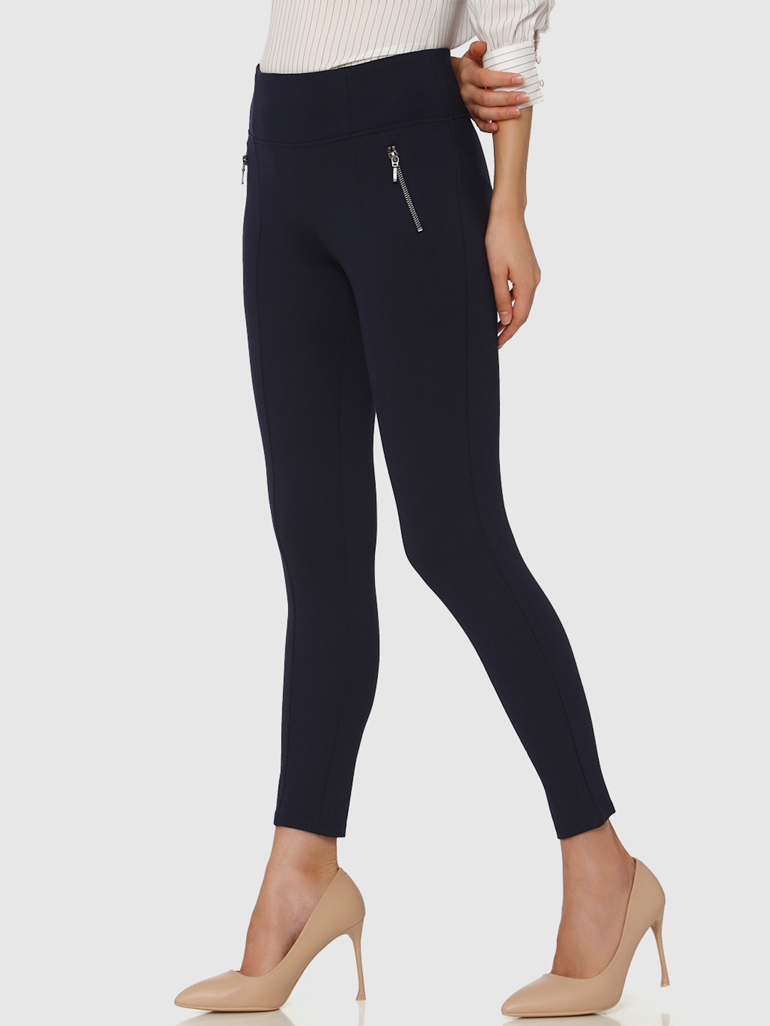 f81b682804a0e1 Buy Vero Moda Women Navy Blue Solid Cropped Treggings - Jeggings for ...