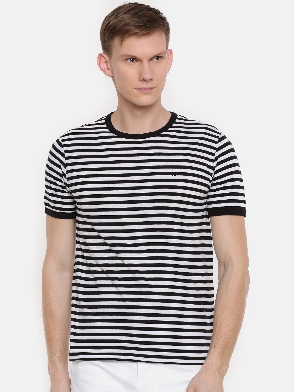 931c37c5db5a Buy Calvin Klein Jeans Men Black & White Striped Round Neck T Shirt ...