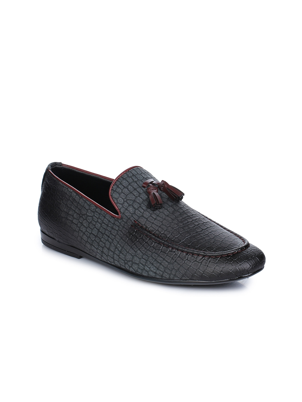 Aber   Q Men Grey Loafers